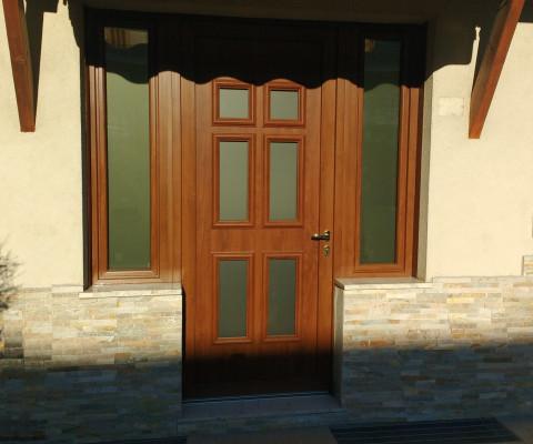 Porta in PVC con finitura legno